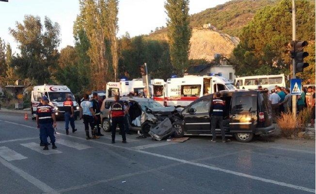 Mersin'de Trafik Kazası: 2 Ölü, 7 Yaralı