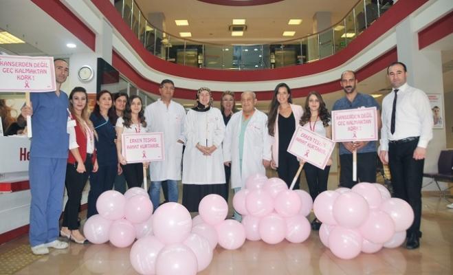 """Sağlıkçılar Meme Kanseri İçin Uyardı: """"Erken Teşhis Hayat Kurtarır"""""""