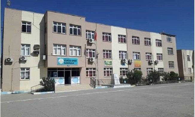 Tarsus'ta Okul Bahçesindeki Atatürk Büstüne Çirkin Saldırı