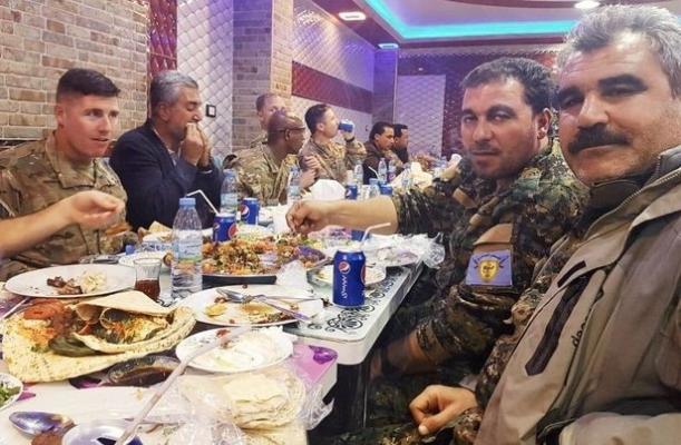Amerikan Askerleri PKK'lılarla Alem Yaptı