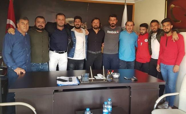 Mersin'de Olaylı Maçın Tarafları İşi Tatlıya Bağladı