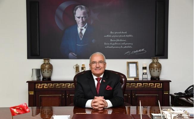 Mersin'de Belediye Başkanları ve STK Temsilcileri Yeni Yılı Kutladı