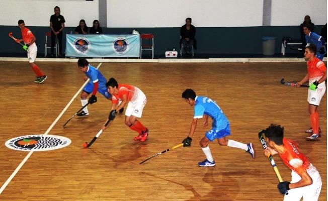 Mersin'de Erkekler Salon Hokey 1. Lig maçları Başladı