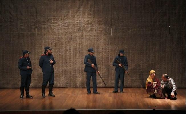 Mersin'de 'Zafere Giden Yol' Tiyatro Oyunu Sahnelendi
