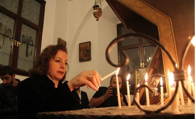 Mersin'deki Hristiyanlar Noel'i Kutladı