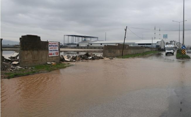 Mersin'de Yağmur Etkili Oldu