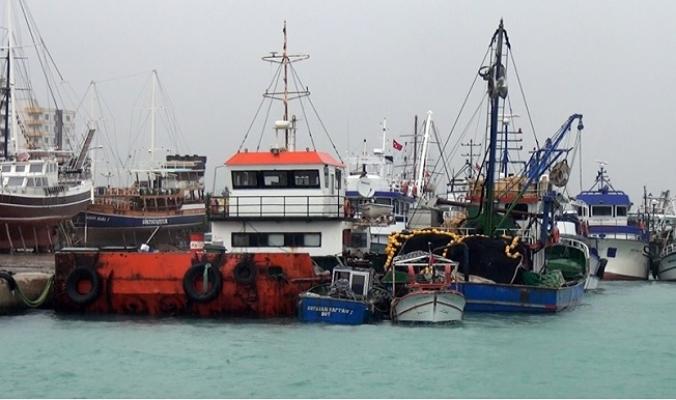 Mersinli Balıkçılar Limana Tutsak