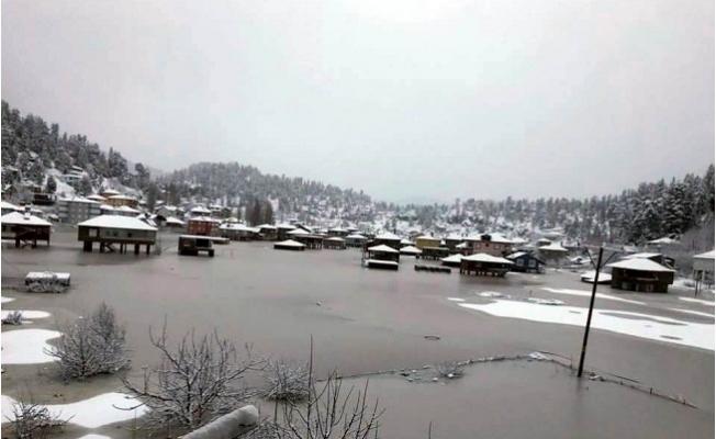 Anamur'da Yayla Evleri Sular Altında Kaldı