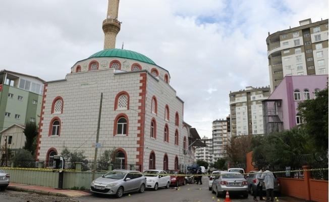 Mersin'de Cuma Namazı Çıkışı Silahlı Kavga: 5 Yaralı