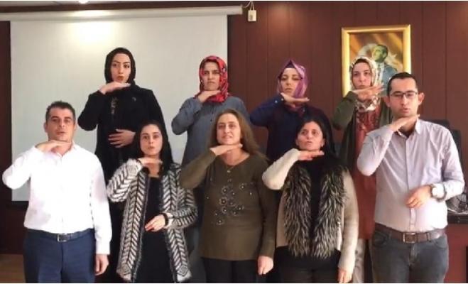 Erdemli'de Belediye Çalışanlarına İşaret Dili Eğitimi