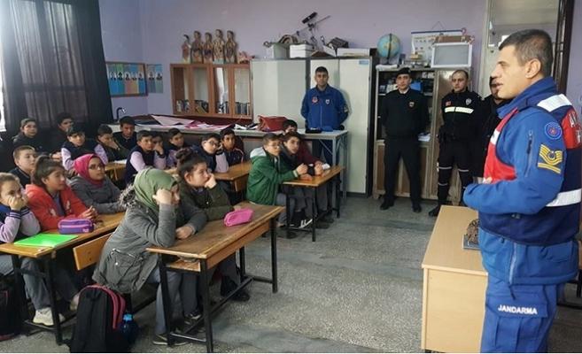 Jandarma ve Polisten Öğrencilere Trafik Eğitimi