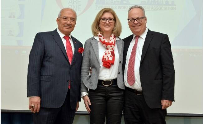 Kocamaz, Zürih'te Kardeş Kentler Birliği Çalıştayına Katıldı