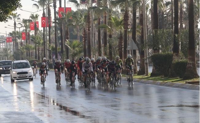 Mersin'de Bisiklet Yarışları Sürüyor Yollara Dikkat