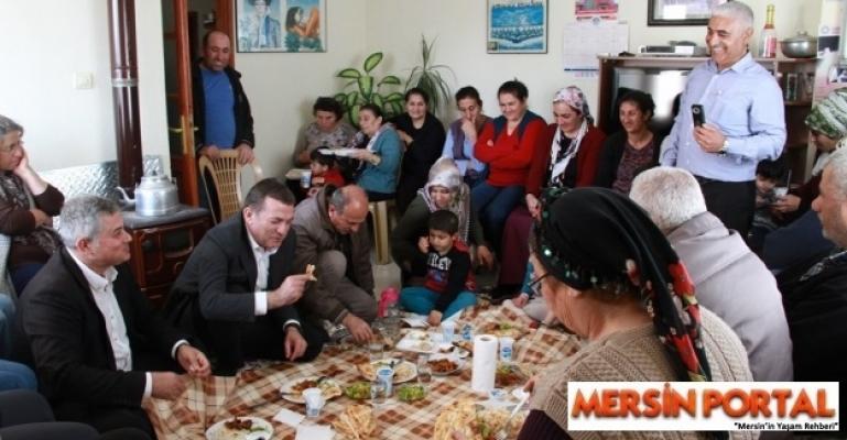 Abdullah Özyiğit,Yenişehir'de  Yer Sofrasına Misafir Oldu.
