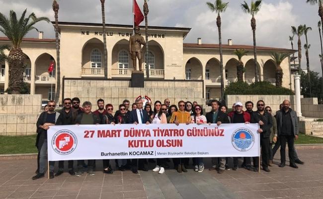 Mersin'de Dünya Tiyatrolar Günü Kutlandı