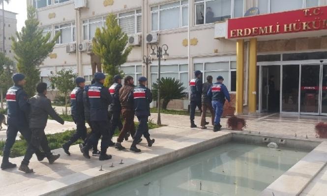 Mersin'de Jandarma Aranan 24 Kişiyi Yakaladı