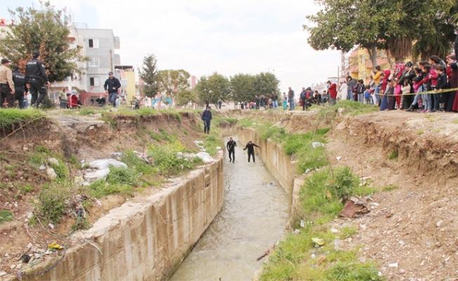 Mersin'de Üstü Açık Bırakılan Dere'de Ölüme Sebeb Olanlar Hesap Verin !