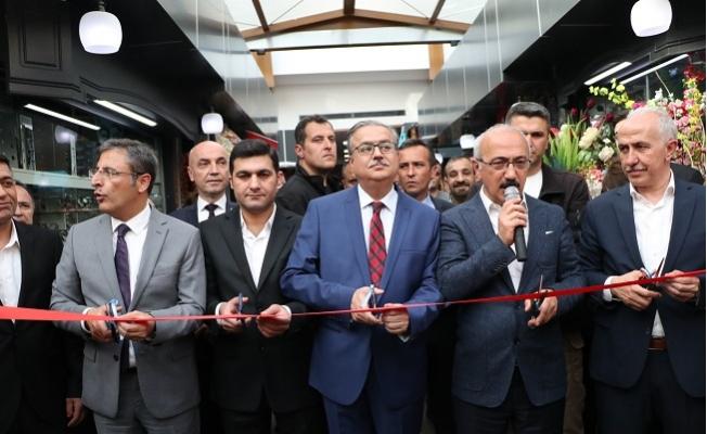 Mersin'in Yeni Çiçek Pasajı Açıldı