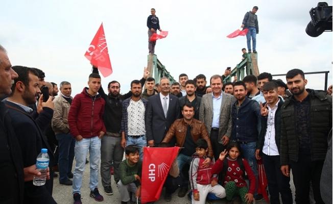 Vahap Seçer'e Tarsus'da Coşkulu Karşılama