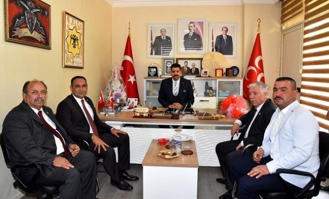Başkan Yılmaz'dan , MHP ve AK Parti Toroslar İlçe Teşkilatlarına Ziyaret i