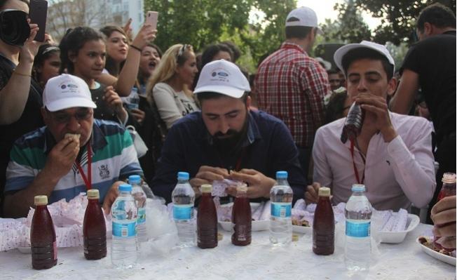 En Hızlı Adana Kebabı Yeme Yarışması
