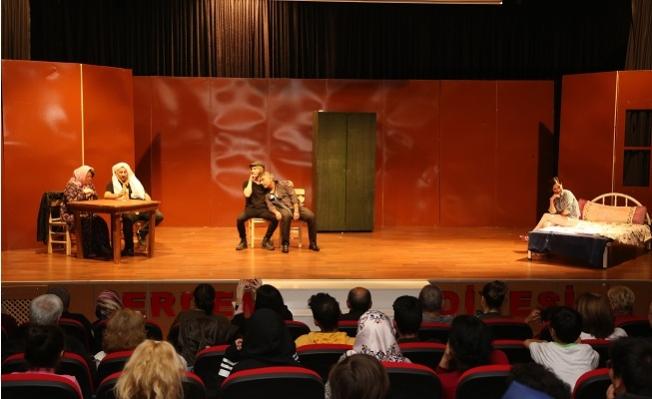 Erdemli Belediyesi Şehir Tiyatrosu Turnelere Hazır