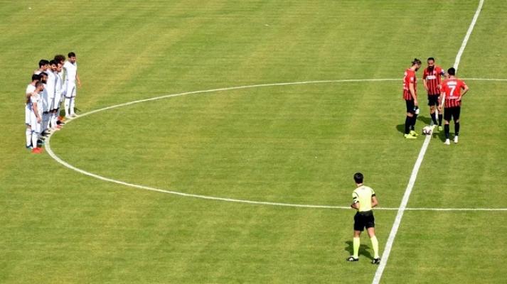Mersin'de Futbolculardan Yönetime Tepki!