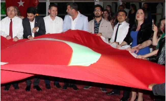 Silifke'de Avukatlar, Günlerini Düzenlenen Geceyle Kutladı