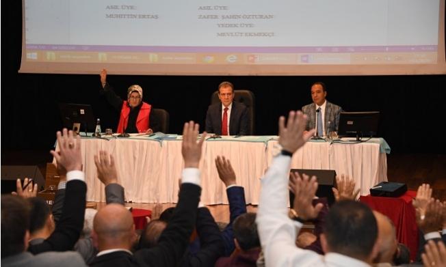 Vahap Seçer'den Meclis Üyelerine Birlik Çağrısı