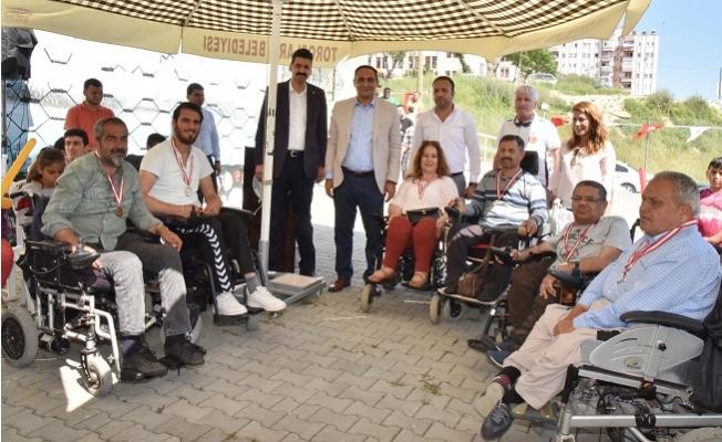 Başkan Atsız Afşın Yılmaz,  Engellileri Unutmadı.