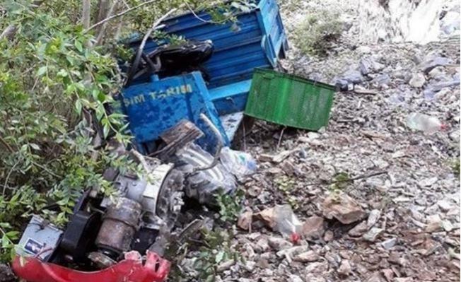 Çapa Motoru Devrildi: 2 Ölü, 1 Yaralı