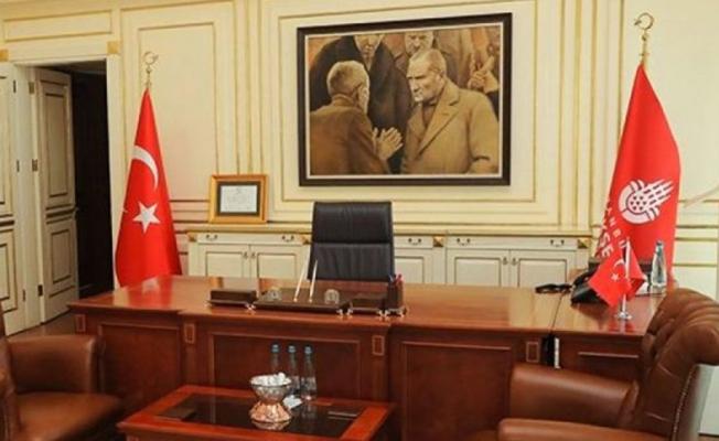 İBB Makam Odasındaki Atatürk Tablosunu Kim Söktü?