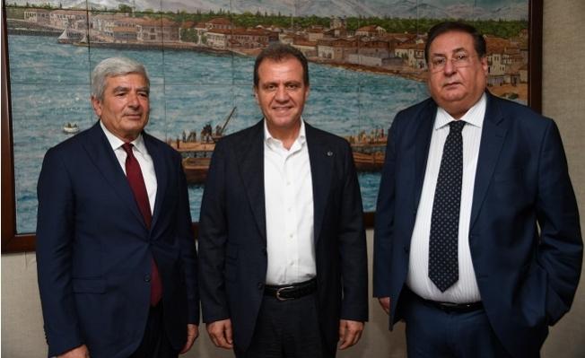 Macit Özcan'dan Vahap Seçer'e Nezaket Ziyareti.