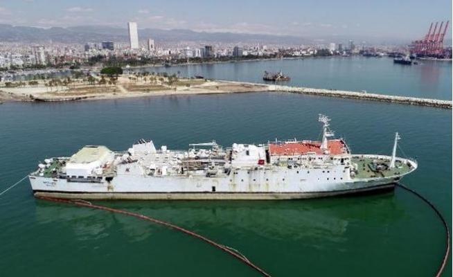 Mersin'de Karaya Oturan Gemi Havadan Görüntülendi