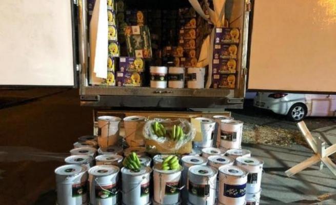 Muz Yüklü Kamyondan 2.3 Ton Kaçak Nargile Tütünü Çıktı