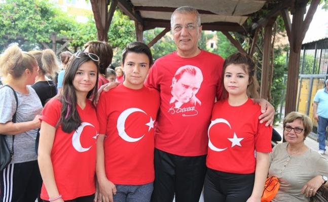 """Başkan Tarhan'dan Milletvekillerine """"Milli"""" Çağrı"""