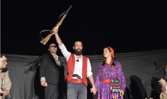 Yenişehir Belediyesi'nin Desteğiyle Barış Meydanı'nda Sahnelendi