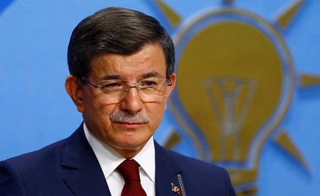 AKP'de İpler Kopuyor: Davutoğlu İstifa Etti