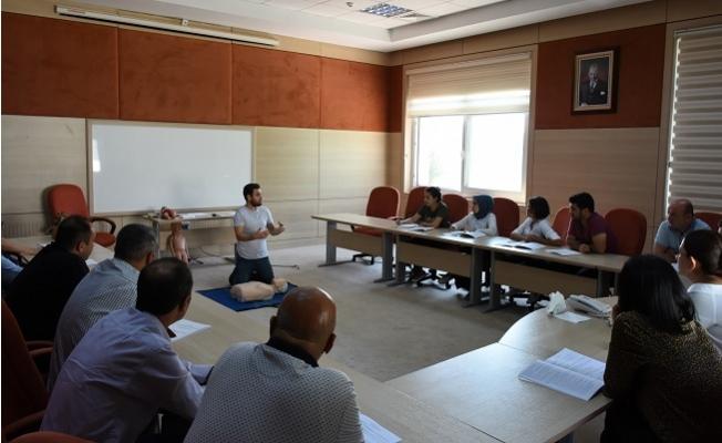 Tarsus Belediyesi Personeline Temel İlk Yardım Eğitimi Verildi