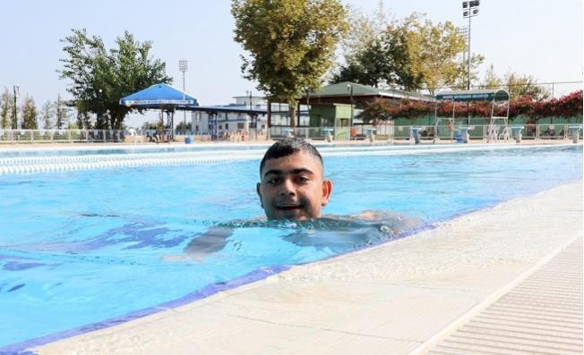 """""""Yüzme Kurslarıyla Epilepsi'yi Yendi"""""""