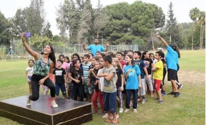 Kız çocukları Gençlik Kampı'nda Buluştu