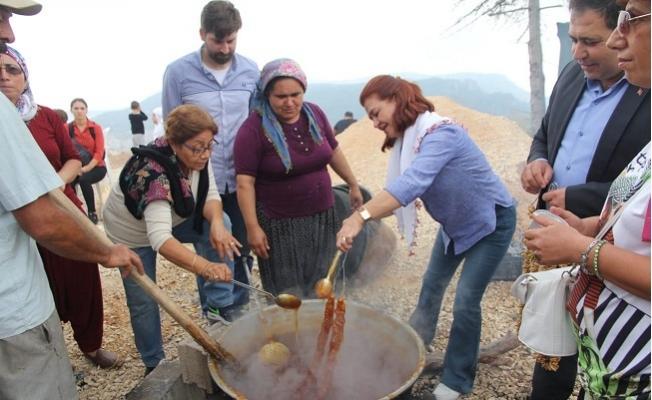 Mersin'de Üreten Kadınlar Bir Araya Geldi