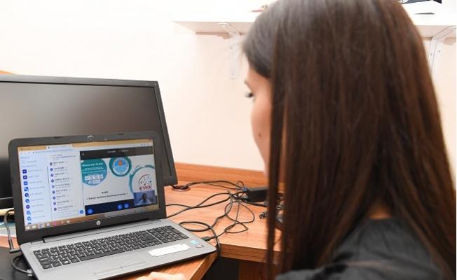 Türkiye'de Bir İlk; 'Akademi Mersin Uzaktan Eğitim Sistemi