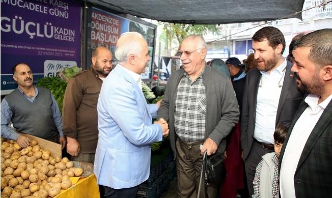 Akdeniz Belediye Başkanı Gültak, Pazarcı Esnafını Dinledi