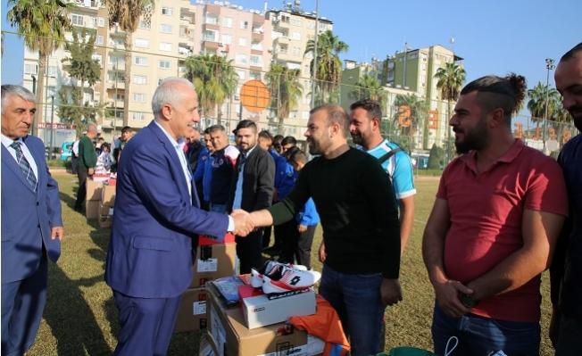 Akdeniz'den Amatör Spor Kulübelerine Yardım