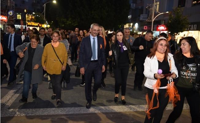 Başkan Bozdoğan, Şiddete Karşı Kadınlarla birlikte Yürüdü