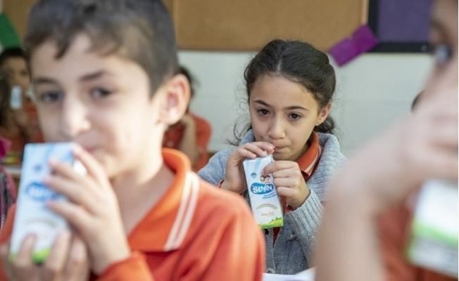 Mersin'de İlk Haftada 56 Bin Çocuğa Süt Dağıtıldı