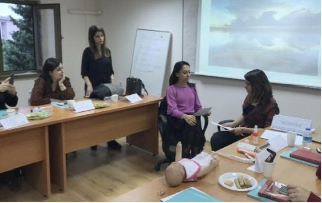 Mersin'de Annelere Emzirme Danışmanlığı Eğitimi Verildi.