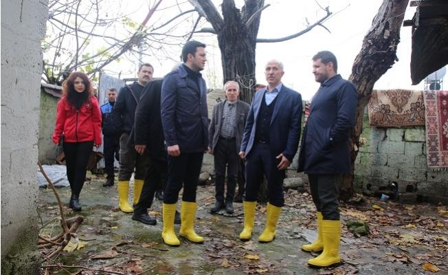 Başkan Gültak, Yağmur Mağduru Vatandaşları Yalnız Bırakmadı