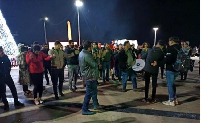 Mersin'de Davullu Zurnalı Yılbaşı Kutlaması